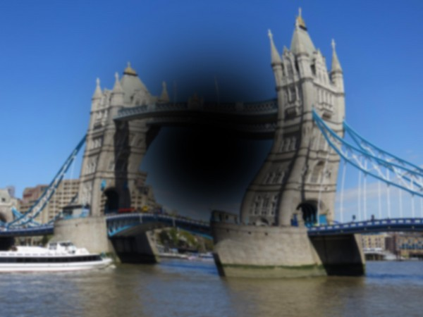 Tower Bridge photo showing loss of sight in the central field of vision